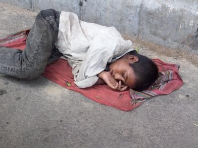 sleeping_on_the_streets_of_dhaka1